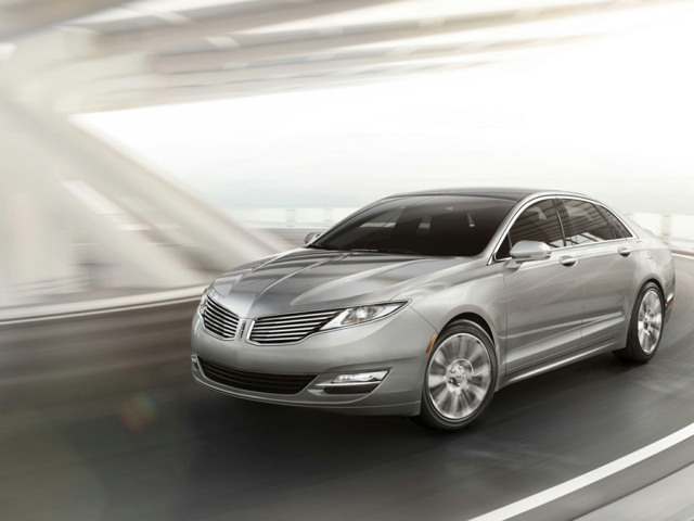 2015 LINCOLN MKZ West Bend 3LN6L2J9XFR600605