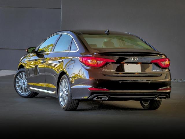 2016 Hyundai Sonata Milwaukee, WI 5NPE34AF6GH309430