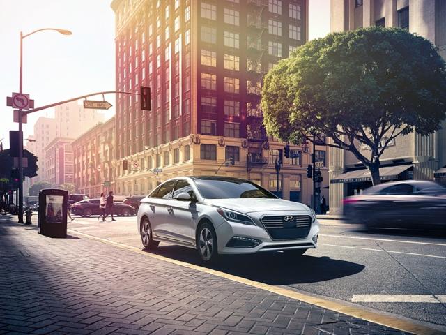 2017 Hyundai Sonata Hybrid Nicholasville, KY KMHE34L11HA051081